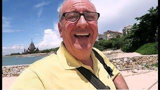 PATTAYA NORTH, NAKLUA, WONGAMAT BEACH FRONT ! Vlog 229