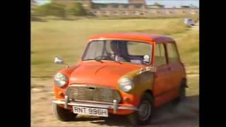 Mr Bean Mini vs Reliant Regal