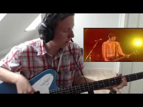 Nirvana - Dive (Live) (Bass Solo/intro)