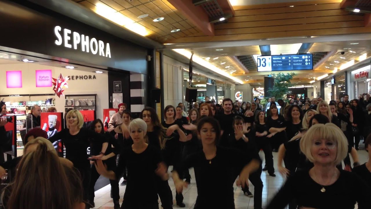 flashmob sephora thionville g ric 16 11 2013 youtube. Black Bedroom Furniture Sets. Home Design Ideas