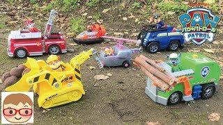 パウ・パトロールのおもちゃで動物やはたらくくるまのレスキュー!マーシャル、ラブル、チェイス、ロッキー、ズーマ、スカイ!