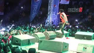 FULL VIDEO: YOUNG KILLER na DUDU BAYA wafunika Wasafi Festival Iringa