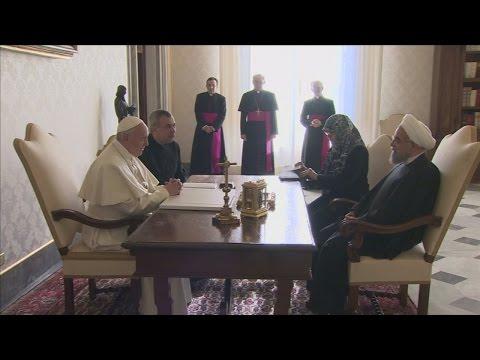 Pope Francis tells Iranian President he wants peace