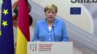 Migranti, Merkel: Ue trovi modo per ripartire quote equamente