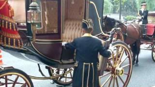 馬車に乗り信任状捧呈式に向う駐日スイス大使  2010.Oct.19