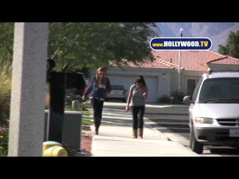 Lindsey Lohan Takes a Walk in Sunny Palm Springs