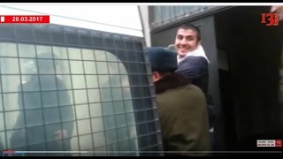 Repeat youtube video Mehman Hüseynovun ən yeni görüntüləri: blogger məhkəməyə belə gətirildi