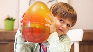 Toys in Giant GUMMY Surprise Egg