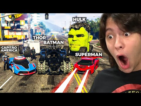JOGANDO GTA 5 COM CARROS DE SUPER HERÓIS!! (Incrível)