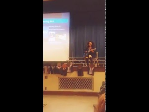 American idol conestent #Dahliajones inspiring young children at Minneapolis Elementary school