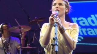 "Emilie Chick ""Wakarimaska"" Live at Radio France, Paris"