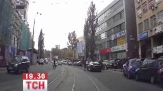 Водители элитных авто устроили перестрелку в центре Киева(, 2013-10-04T04:46:49.000Z)