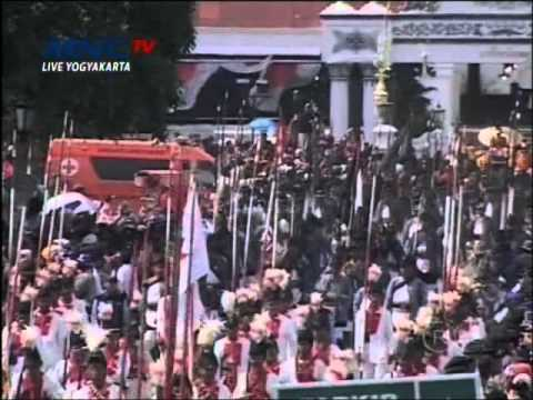 Pernikahan Agung Kraton Yogyakarta [23-10-2013] Prosesi Kirab GKR Hayu - KPH Notonegoro