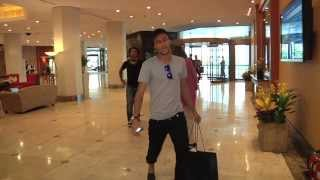 Baixar Brazil players Neymar, Dani Alves, David Luiz arriving in South Korea
