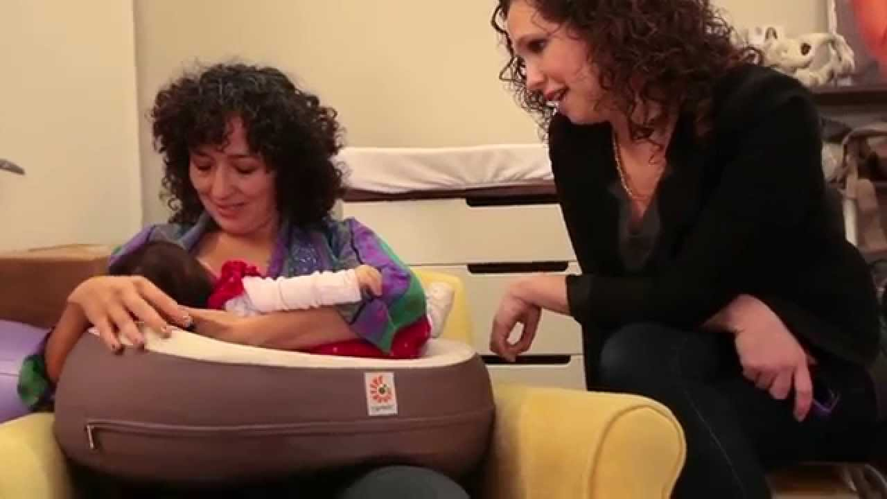 Jessica Martin-Weber of The Leaky Boob: Natural Curve Nursing Pillow -  YouTube