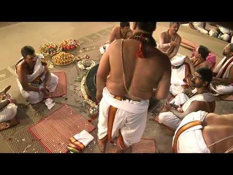 Yogeshwaraya Chant with Sadhguru. Sapta Rishi Arati at Adiyogi   Isha Yoga Center