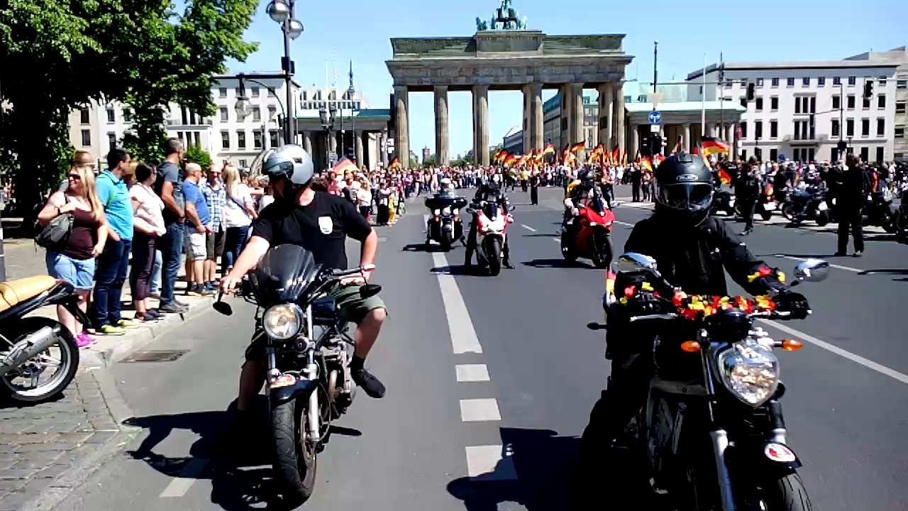 demo biker f r deutschland in berlin youtube. Black Bedroom Furniture Sets. Home Design Ideas