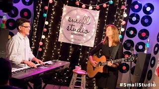 Carrie Newcomer - Full Performance (Small Studio Sessions)