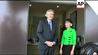 US envoy Burns meets opposition leader Aung San Suu Kyi