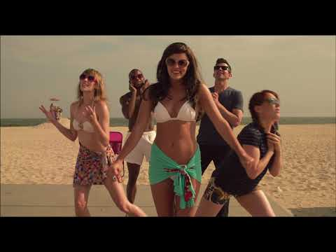 Taylor Louderman Mean Girls, Life of an Actress performs