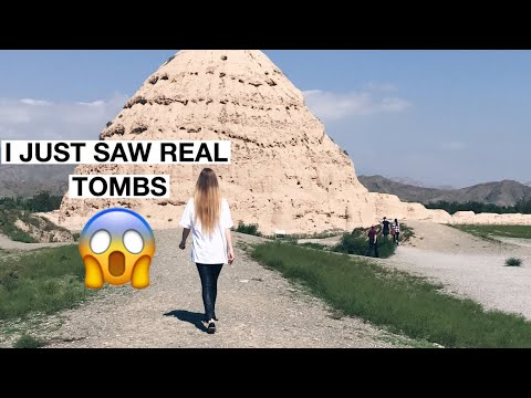 EMIRATES CABIN CREW: I JUST SAW REAL TOMBS IN CHINA😱