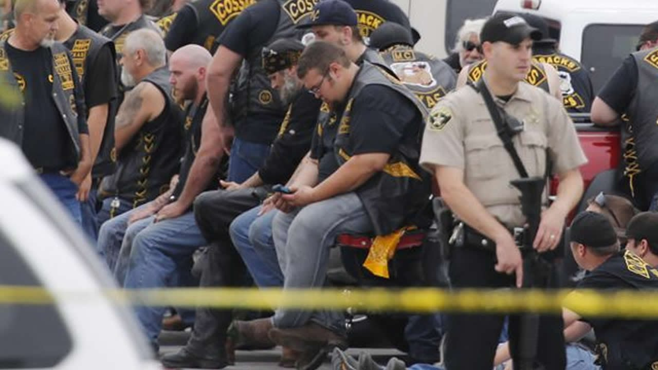9 dead in Huge Waco, Texas Biker Gang Fight - YouTube