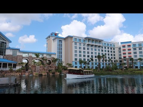 Universal Orlando Sapphire Falls Resort Tour | Hotel Grounds Walking Tour & Standard Room Tour