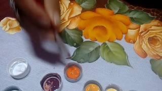 Pintando rosas amarelas