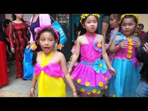 biểu diễn thời trang váy giấy tết 2014 của trường Tiểu Học Lương Thế Vinh