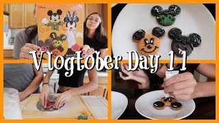 VLOGTOBER 2019 DAY 11 - BAKING HALLOWEEN MICKEY COOKIES