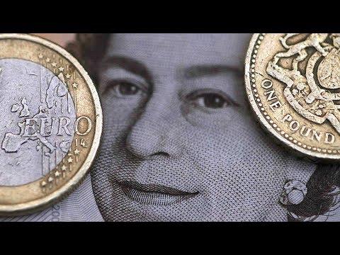 Libra Vale Menos Que El Euro En Los Aeropuertos Británicos, Ya Que Desciende A Mínimos De 8 Años