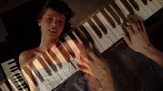 Laura Jansen - Single Girls (official video)