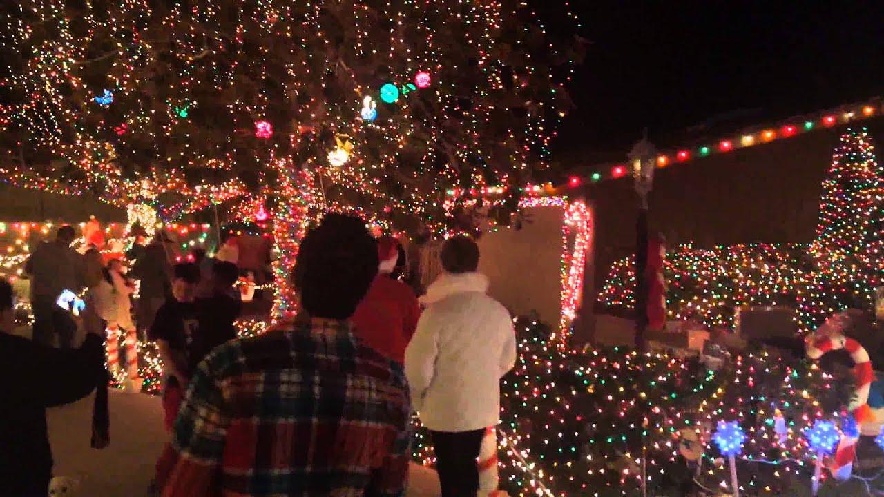 Garrison Street, Point Loma Christmas Lights - YouTube
