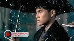 Kerispatih - Tapi Bukan Aku (Official Music Video NAGASWARA) #music  - Durasi: 4:43.