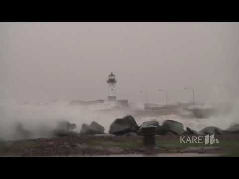WATCH: Huge gusts cause waves, flooding in Duluth's Canal Park area