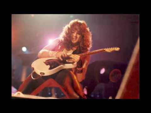 Mr Crowley - Jake Lee improvises the intro on guitar ...