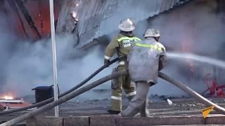 Взрывы в центре Бишкека и сильный пожар — видео с места ЧП