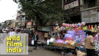 Crowded streets of Teen Darwaza market : Ahmedabad