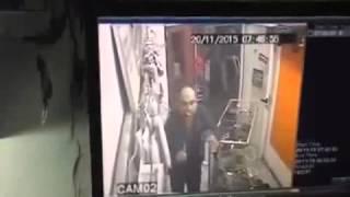 Girne'deki bıçaklı saldırı an be an kameralarda!
