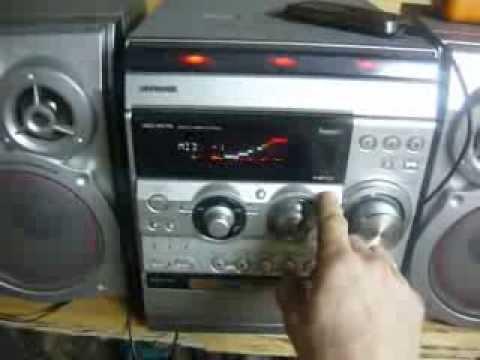 Музыка в мастерской aiwa NSX-RV75