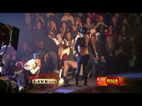 Britney Spears-Circus & Womanizer(Live@GMA)