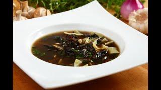 Przepis- Zupa grzybowa z łazankami (przepisy kulinarne Przepisy.pl)