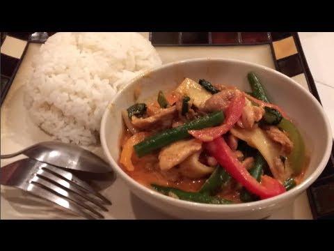 C/w Nana: Red Curry Chicken (ແກງແດງໄກ່ == Ghang Dang Ghai)