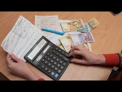 Насколько обеднели украинцы с начала года из-за постоянного роста тарифов?