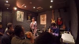 2017年9月16日に新宿 I MUSIC BARでしおりのアコースティックライブが主...