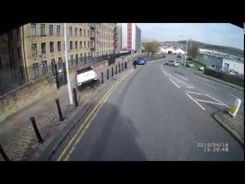 Boy Racer Crashes Trying To Overtake Truck - Shipley, Bradford