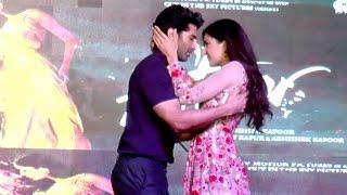 Repeat youtube video Katrina Kaif Kiss In Public