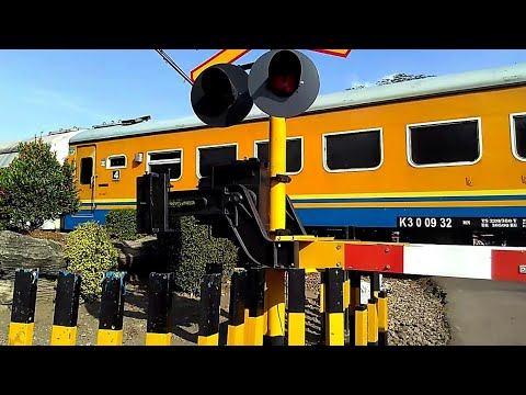 Palang Pintu Kereta Api