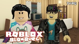 MOVING IN TOGETHER!| Roblox Bloxburg
