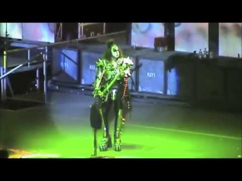 KISS Live In Mexico City 9/30/2010 (1st...